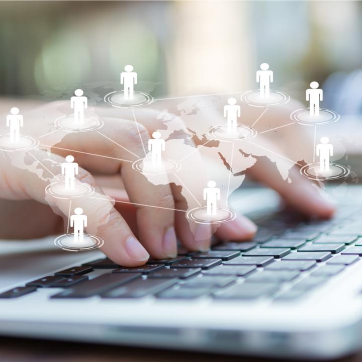 業務系ITとWeb系ITからなるIT業界